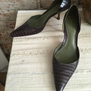 Ann Taylor brown reptile print leather heels 9.5
